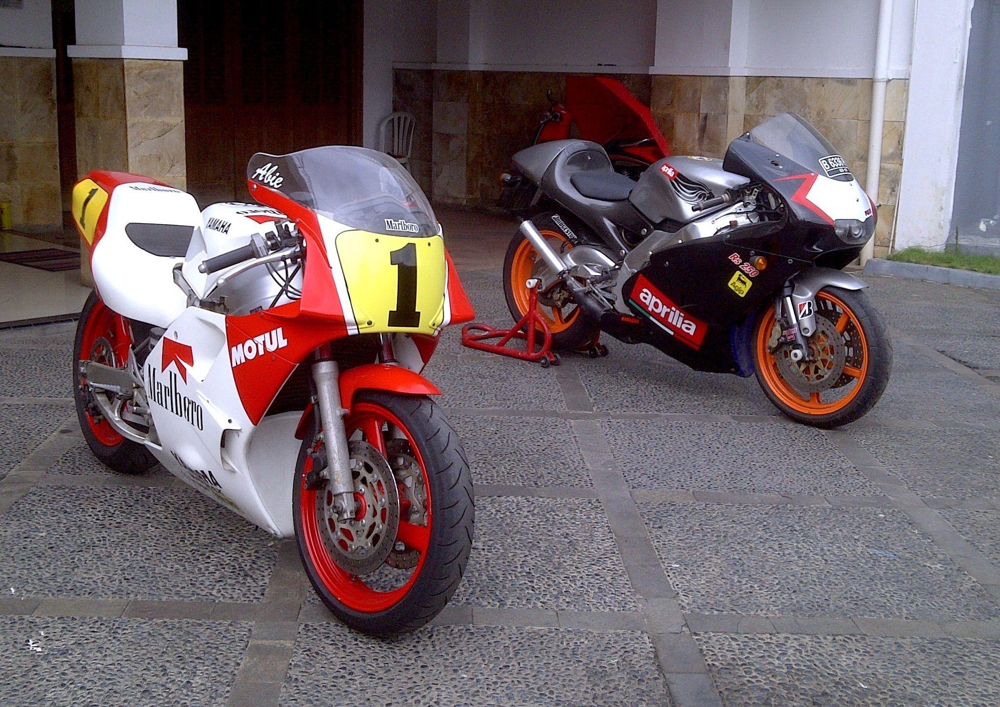 Tzr 3ma And Aprilia Rs250 Motorbikes Aprilia Motul