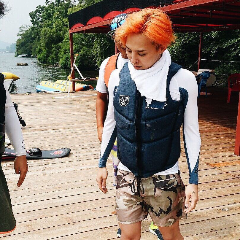 150714 | #GDRAGON spotted @ Chuncheon Water Park filming for Infinity Challenge w #TAEYANG —