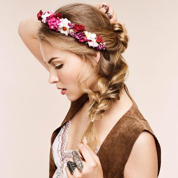 Frisuren Mit Blumen Haare Und Beauty T Blumenkranz