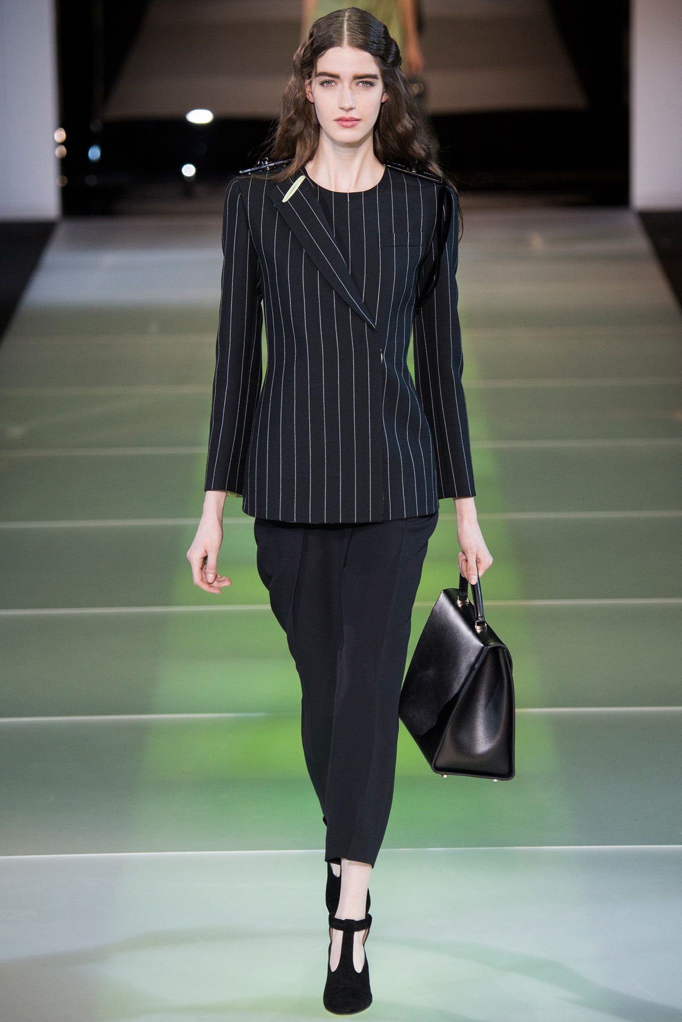 9d75d8dd55f Giorgio Armani Fall 2014 Ready-to-Wear - Collection - Gallery - Style.com