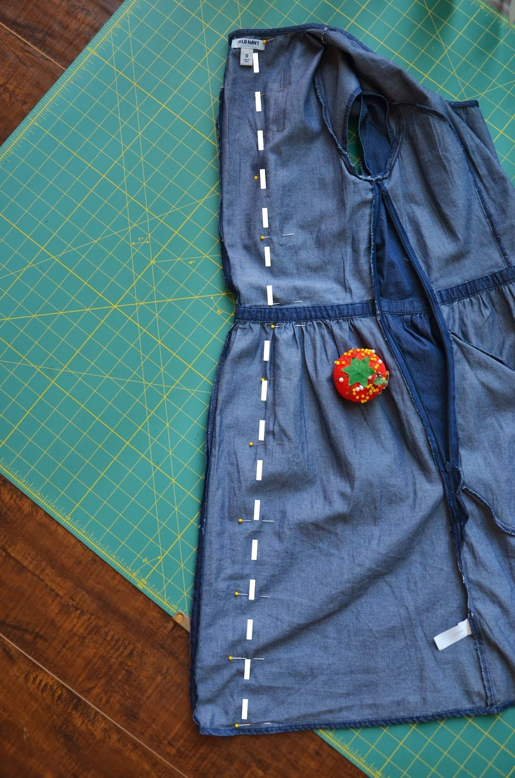 Resizing An Oversized Side Zippered Dres Tutorial Altering Clothe Refashion Makeover Custom Paraphrase Clothing