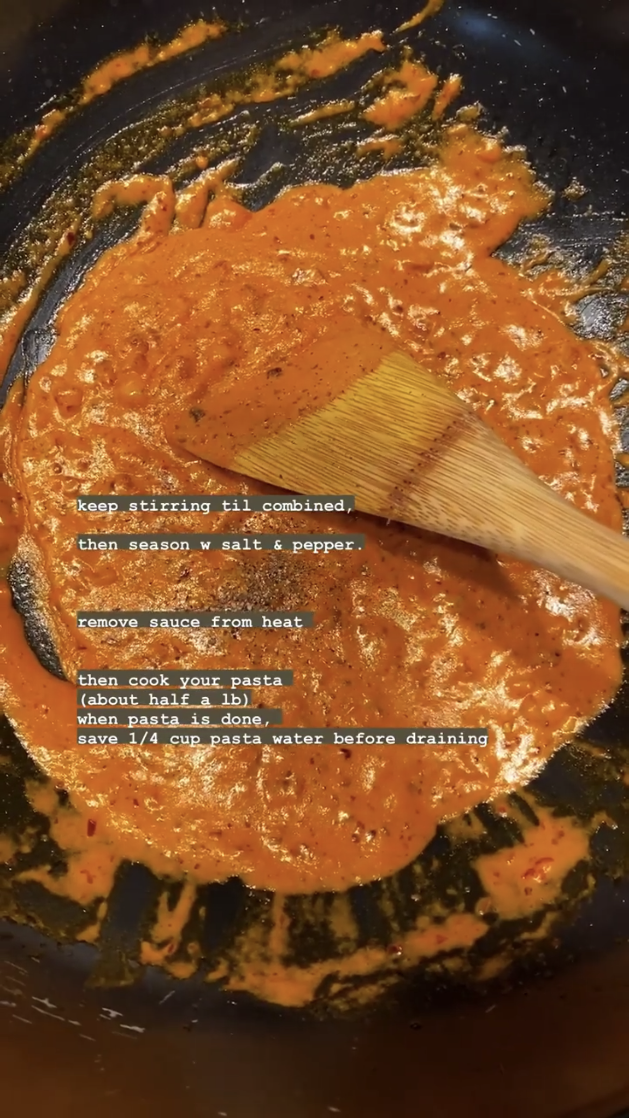 Gigi Hadid S Homemade Vodka Sauce Recipe Looks Tasty Af In 2020 Cooking How To Cook Pasta Stuffed Peppers