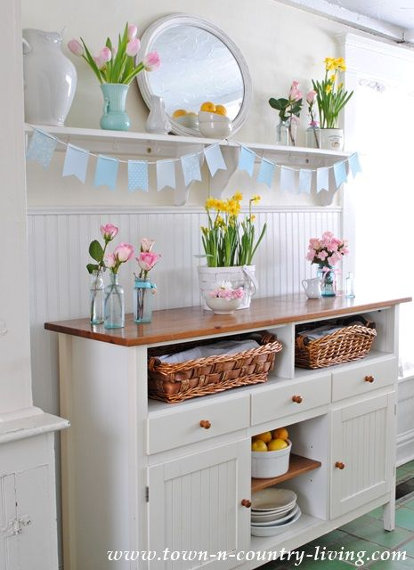 Spring Decorating in a Farmhouse Kitchen | Spring kitchen ...