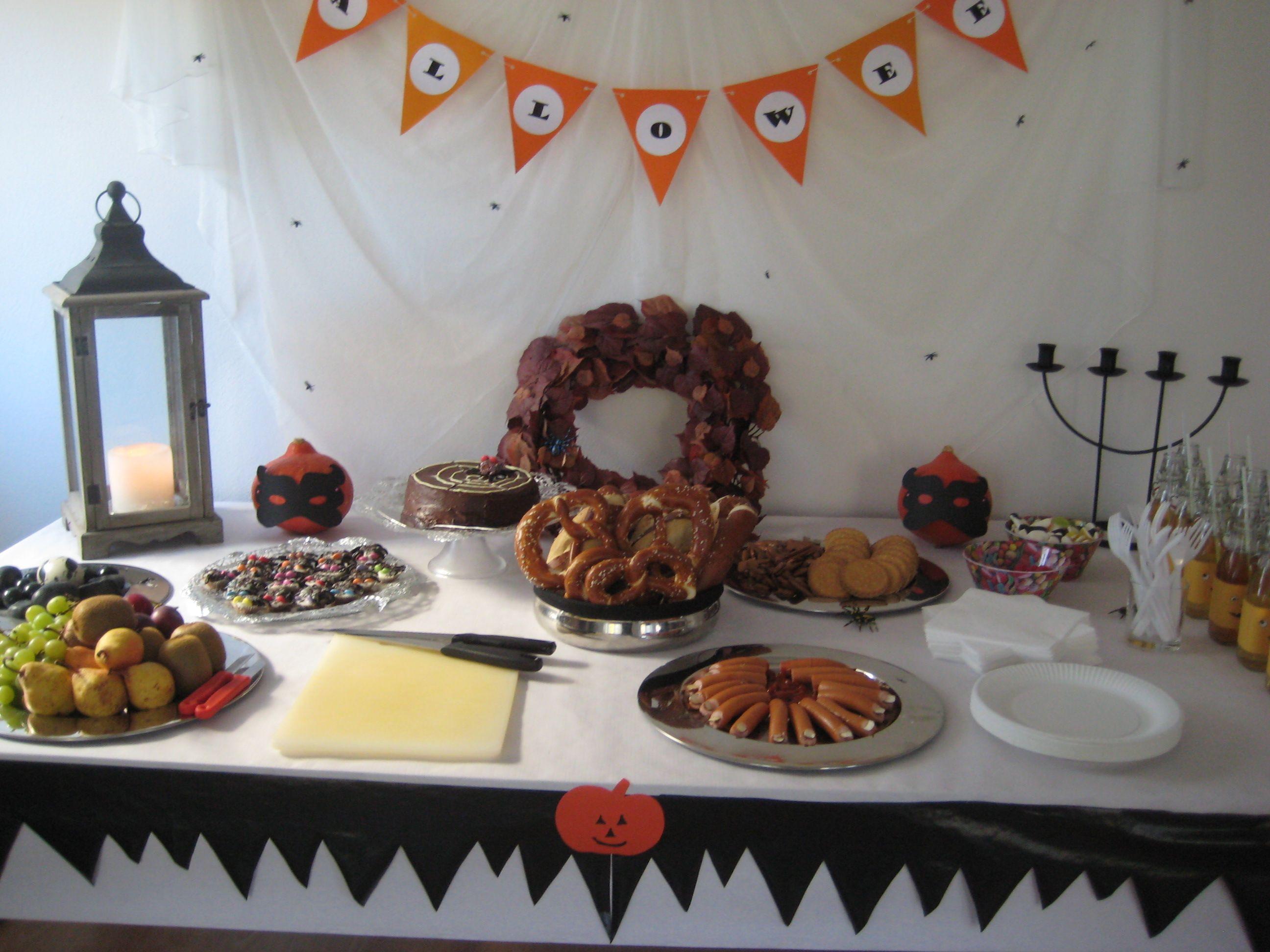 Halloween breakfast table