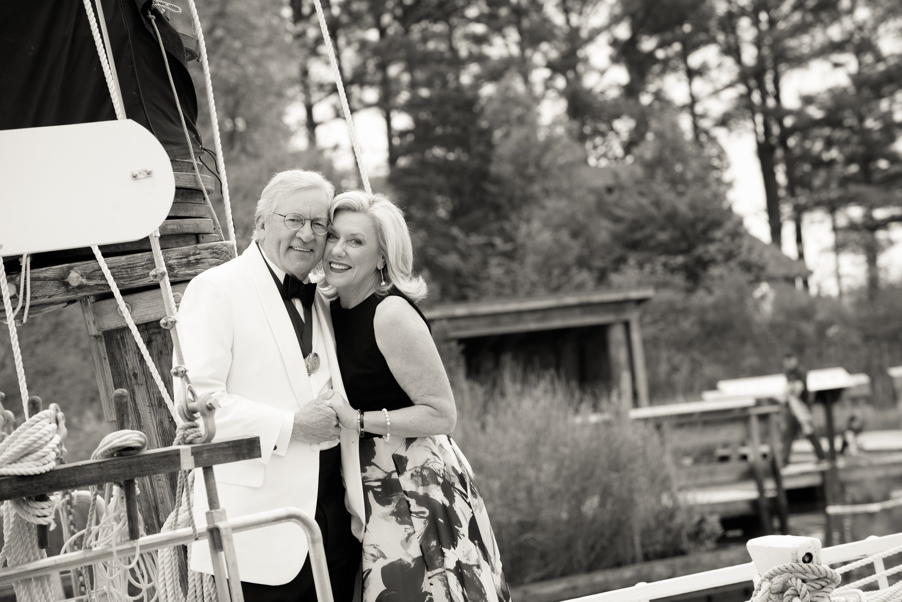 From the wedding gown to the couple, Dixie and Jim\'s wedding was far ...