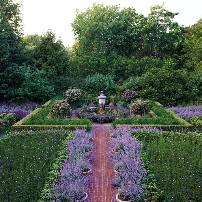 Le Jardin De Sculptures De Peter Marino Hampton Garden Garden Garden Planning