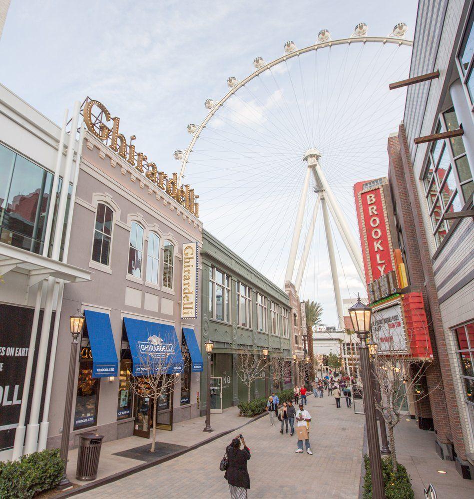 Ghirardelli Ice Cream & Chocolate Shop - Las Vegas, NV, United States