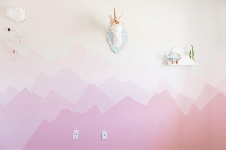 Dessin Montagne Stylisé En Couleur Pour Décorer Les Murs De