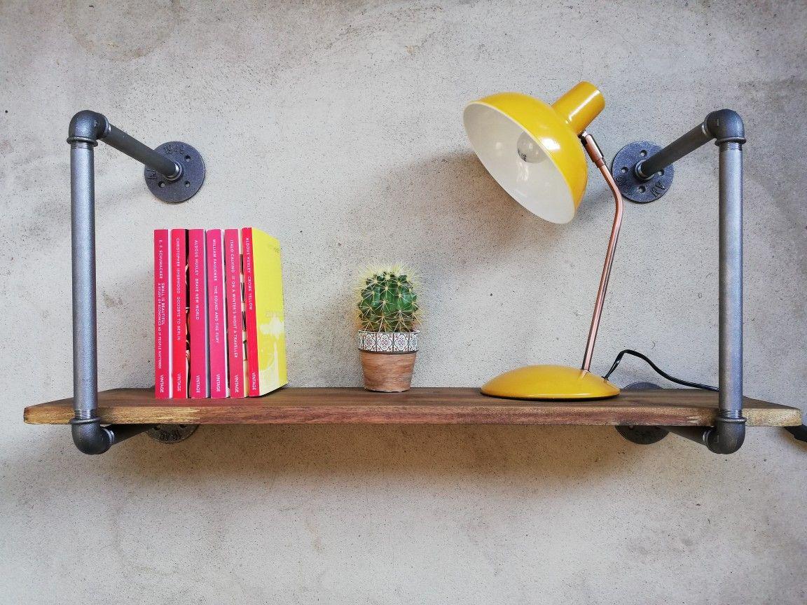 rohrregal aus vintage wasserrohren loft wandregal als display für