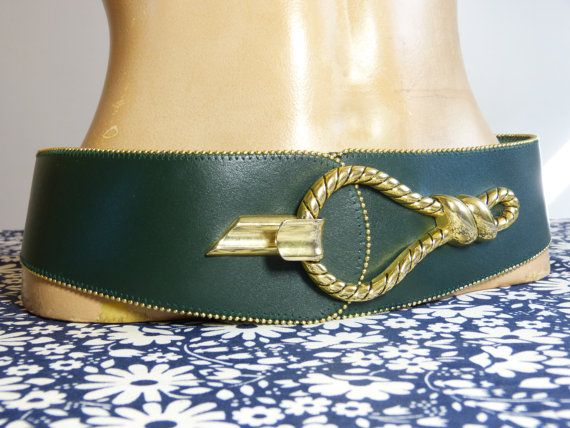 Wide adjustable dark green leather belt with big equestrian style metal rope loop buckle – French 80s 90s vintage