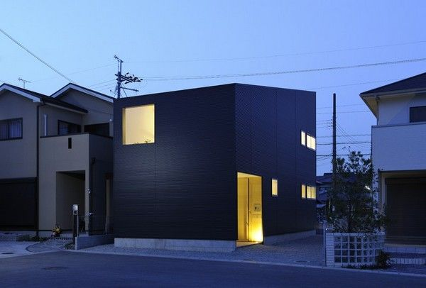 Minimalist and compact Japanese house, nice design and a very ...