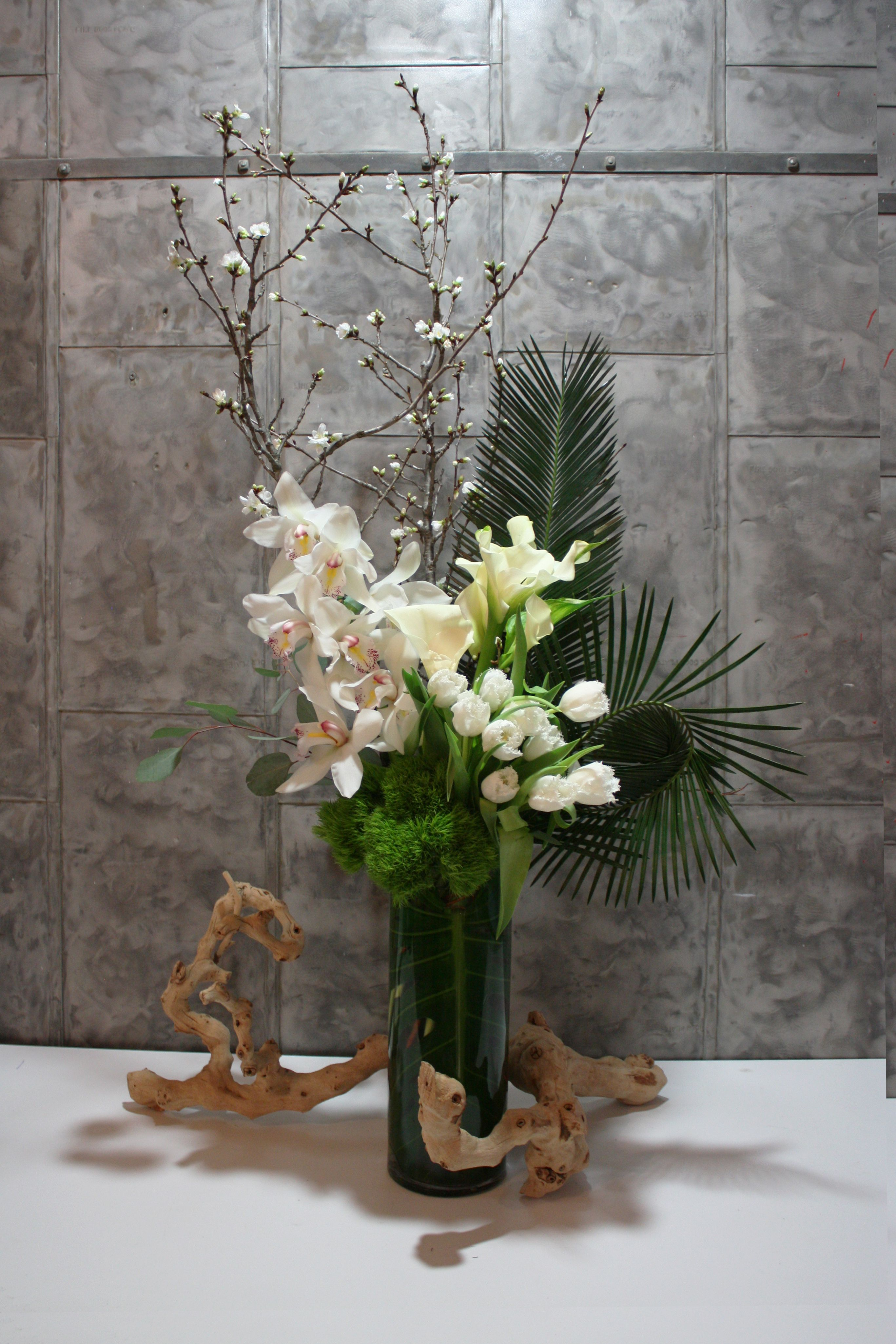 office floral arrangements unusual flower design weekly subscription nyc corporateoffice delivery floral ikebana pinterest arrangements