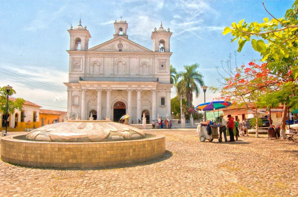 I Would Like To Visit El Salvador Calles Empedradas Y Pintorescas Suchitoto Places I 39 Ve Been
