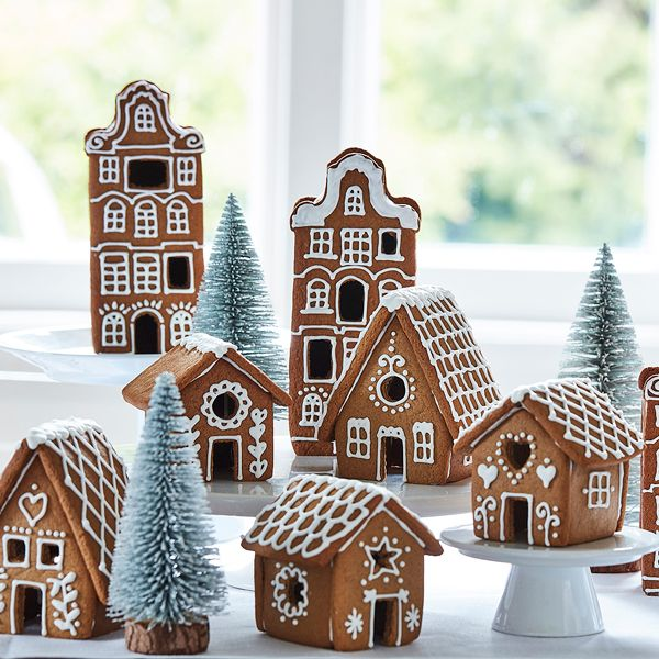 How to Bake a Village of Gingerbread Houses - Hobbycraft Blog