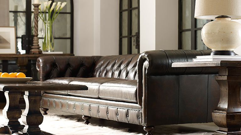 This Leather From The Bernhardt London Club Series Feels So Soft You Won T Want To Get Up Hausmobel Clubsessel Sofa