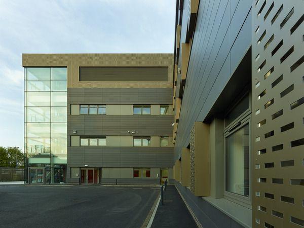 New Cross Hospital Pathology Building, Wolverhampton. EQUITONE facade panels. www.equitone.com