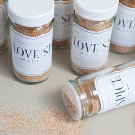 Check out this recipe + tutorial for making yummy 'love spice' seasoning salt favors or gifts! Free downloads... easy recipe!