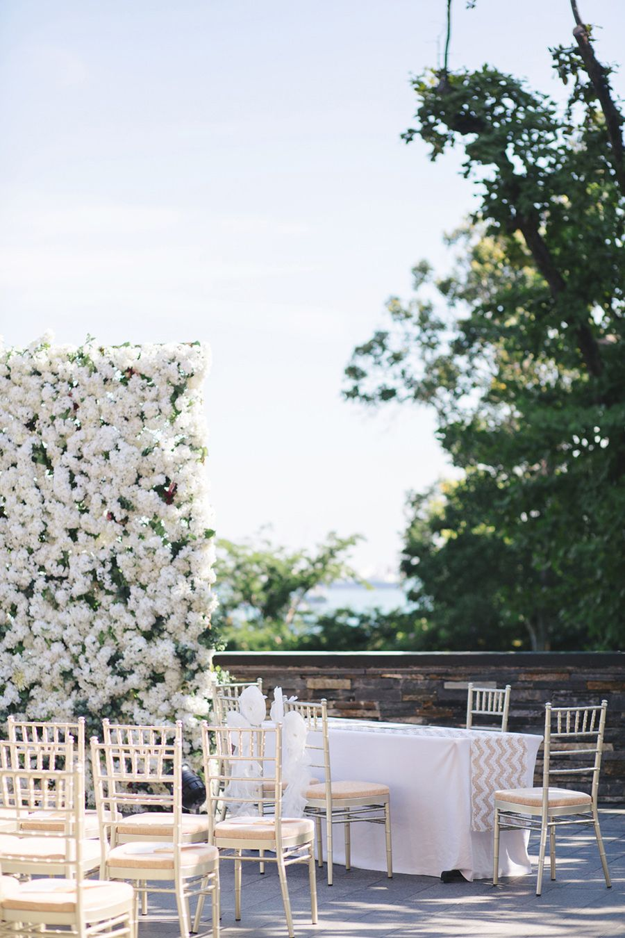 Classically Beautiful Wedding At Capella Gunawan And Marki Beautiful Weddings Wedding Wedding Set Up
