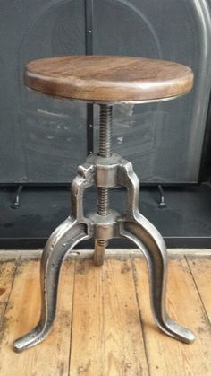 Machinist Adjustable Height Stool