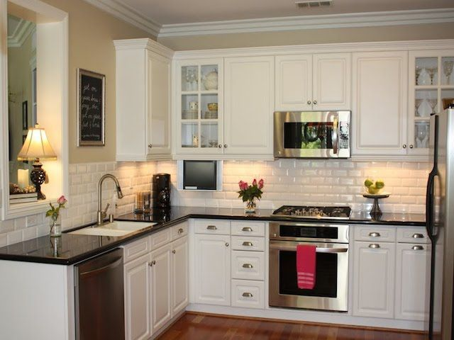 23 Backsplash Ideas White Cabinets Dark Countertops Kitchen Remodeling White Antique Whit White Subway Tile Kitchen Kitchen Design Small Kitchen Inspirations