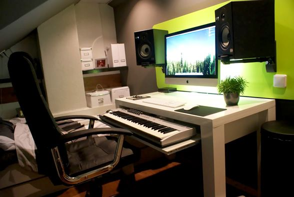 Piano music desk podcasting studio bureau idee