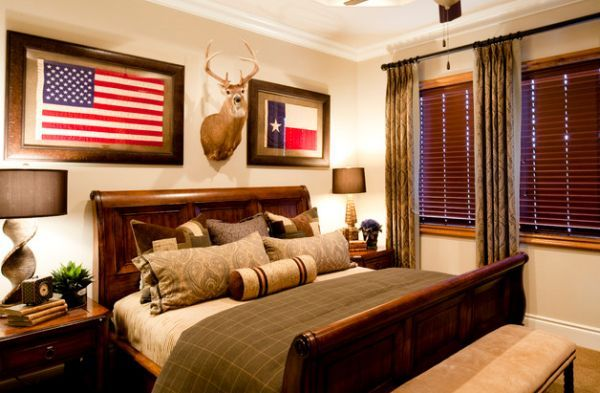 Cabin Styled Bedroom With A Large Sleigh Bed Decoist Western Bedroom Western Bedrooms Western Rooms