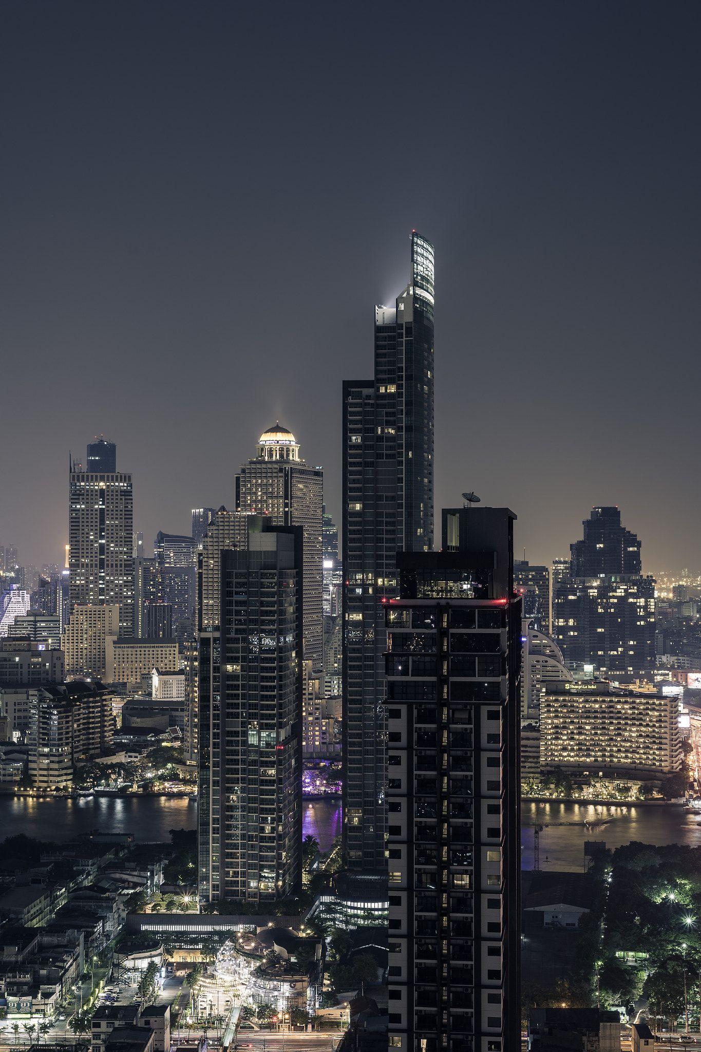 Skyline Of Bangkok At Night Skyline Of Bangkok At Night On Chao Phraya River Thailand Asien