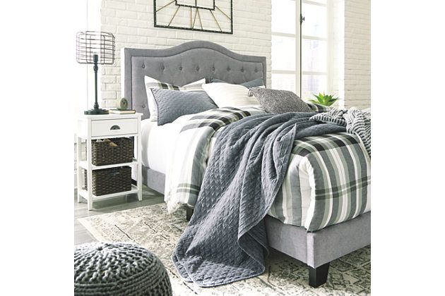 Best Jerary Queen Upholstered Bed With Images Queen 640 x 480