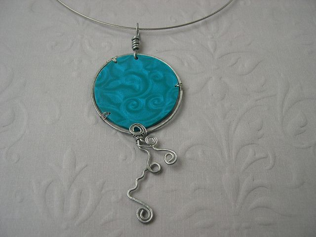 Pendentif - 2013 (04) 04a polymer clay and wire by Perlotages et Cie ...