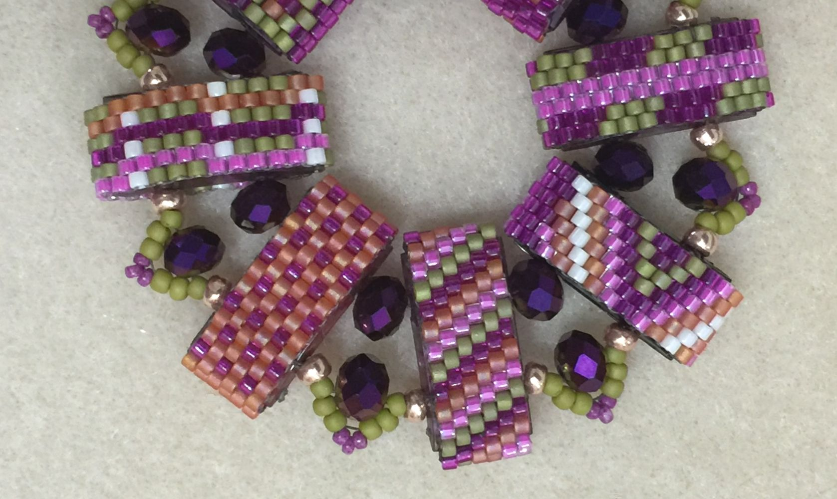 Fun with Carrier Beads | Carrier bead | Beads, Beading ...