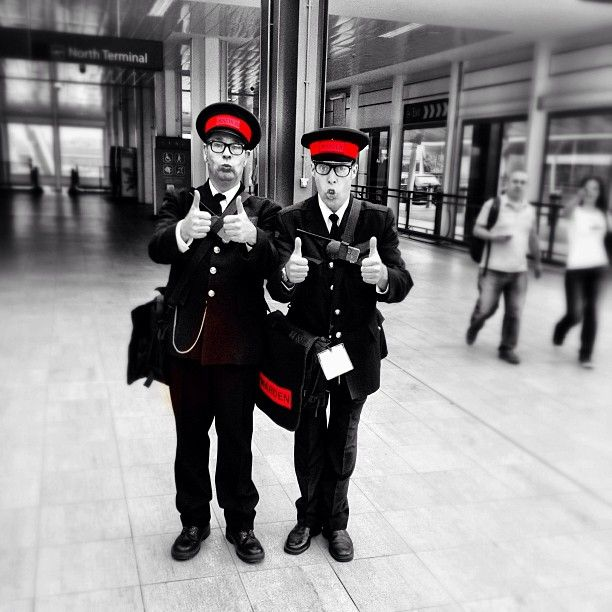 A comedy duo entertain the passengers at Gatwick. #lgwlive