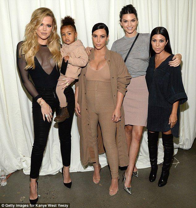 Kris Kim Khloe Kourtney Kendall Kylie /& Kanye Kardashian T-shirt