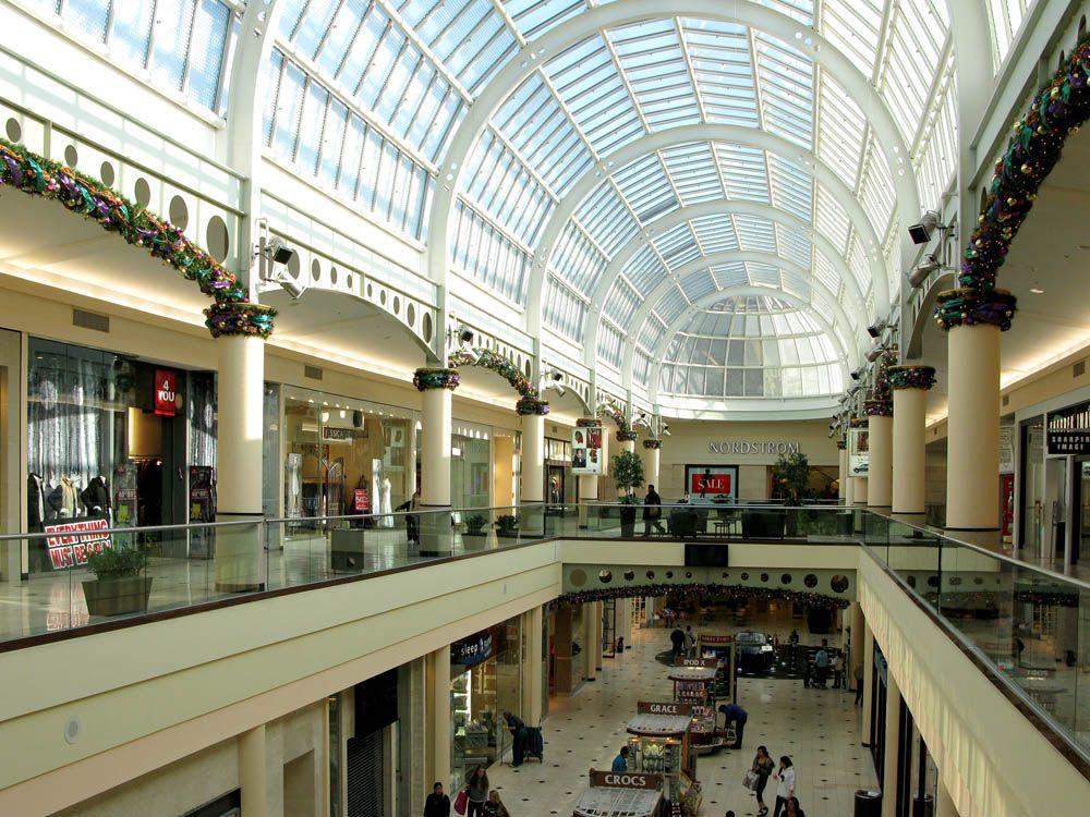 Roosevelt Field Mall
