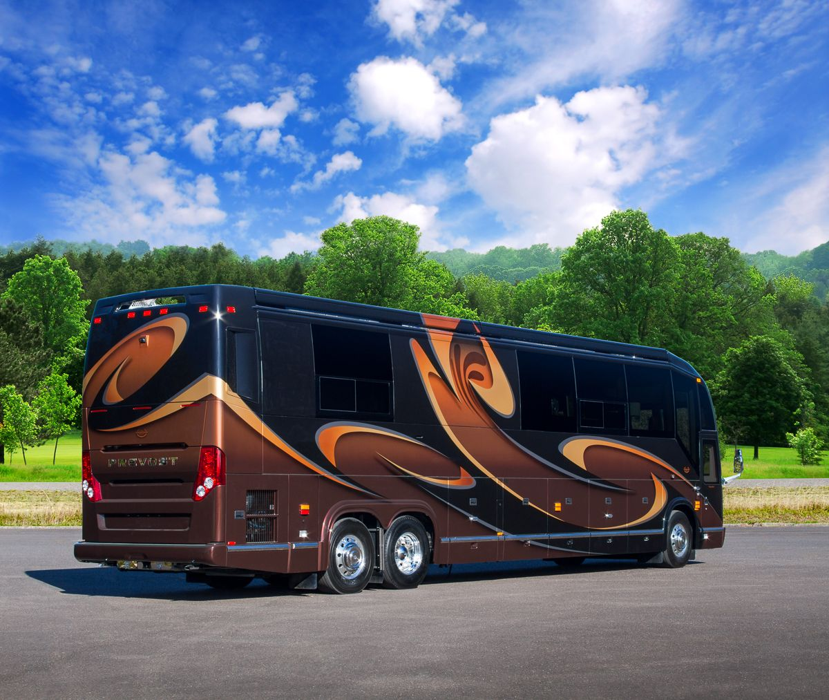 Luxury rv exterior - Here S One Of Our Latest Creations Marathon Coach 1221 A Handcrafted Work Of
