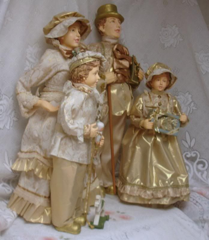 Victorian Christmas Carolers Figurines: Huge Christmas Caroler Set Display Figures