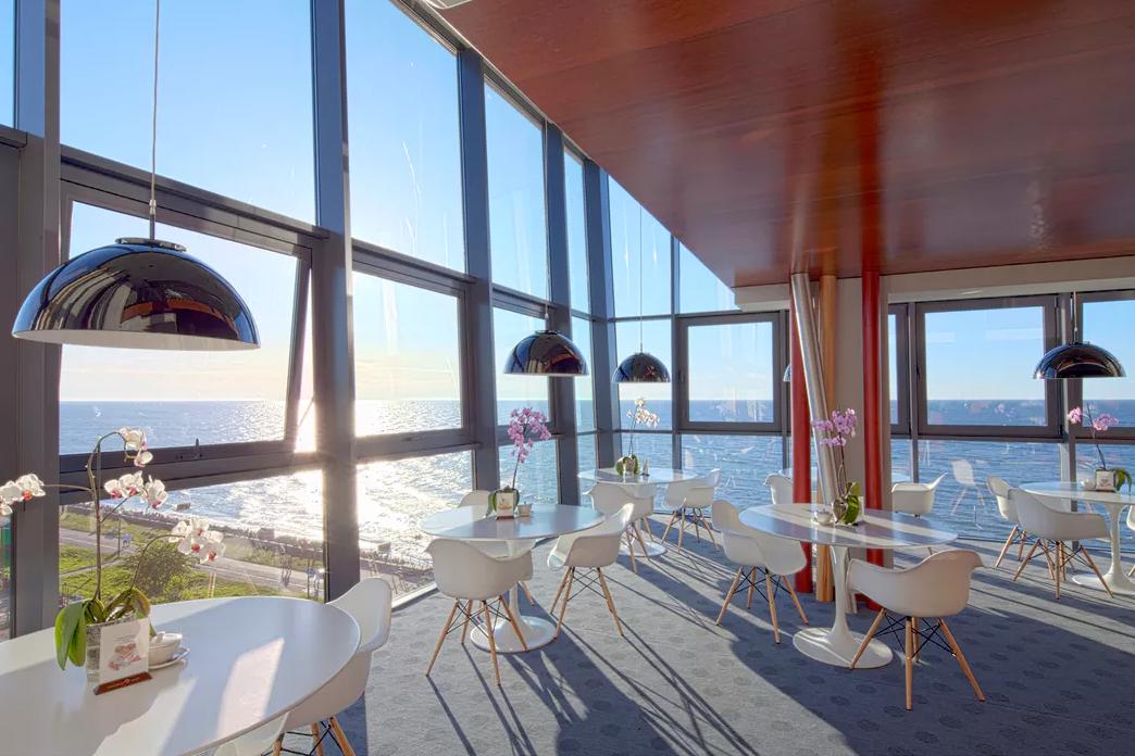 Luxus Pur Im 5 Designhotel Direkt Am Strand In Kolberg 4 5 Oder 8 Tage Ab 89 Urlaubsheld De Ostsee Hotel Am Strand Hotel Am Strand