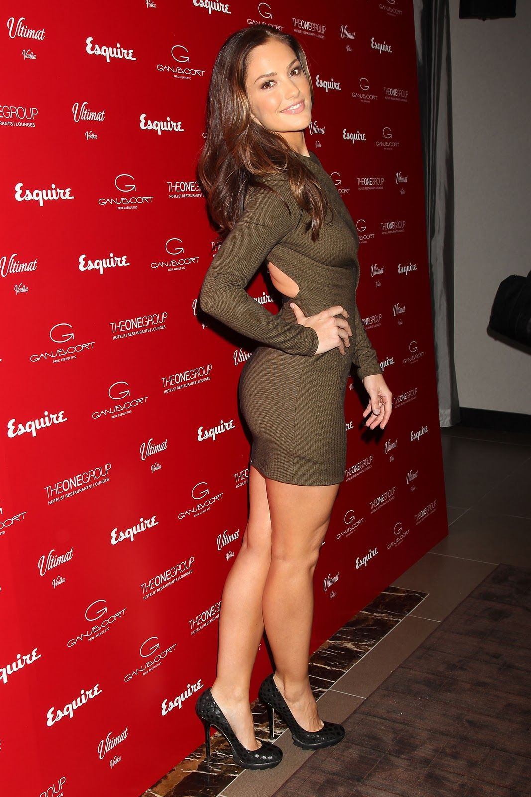minka kelly, man those legs go up and make a complete ass of
