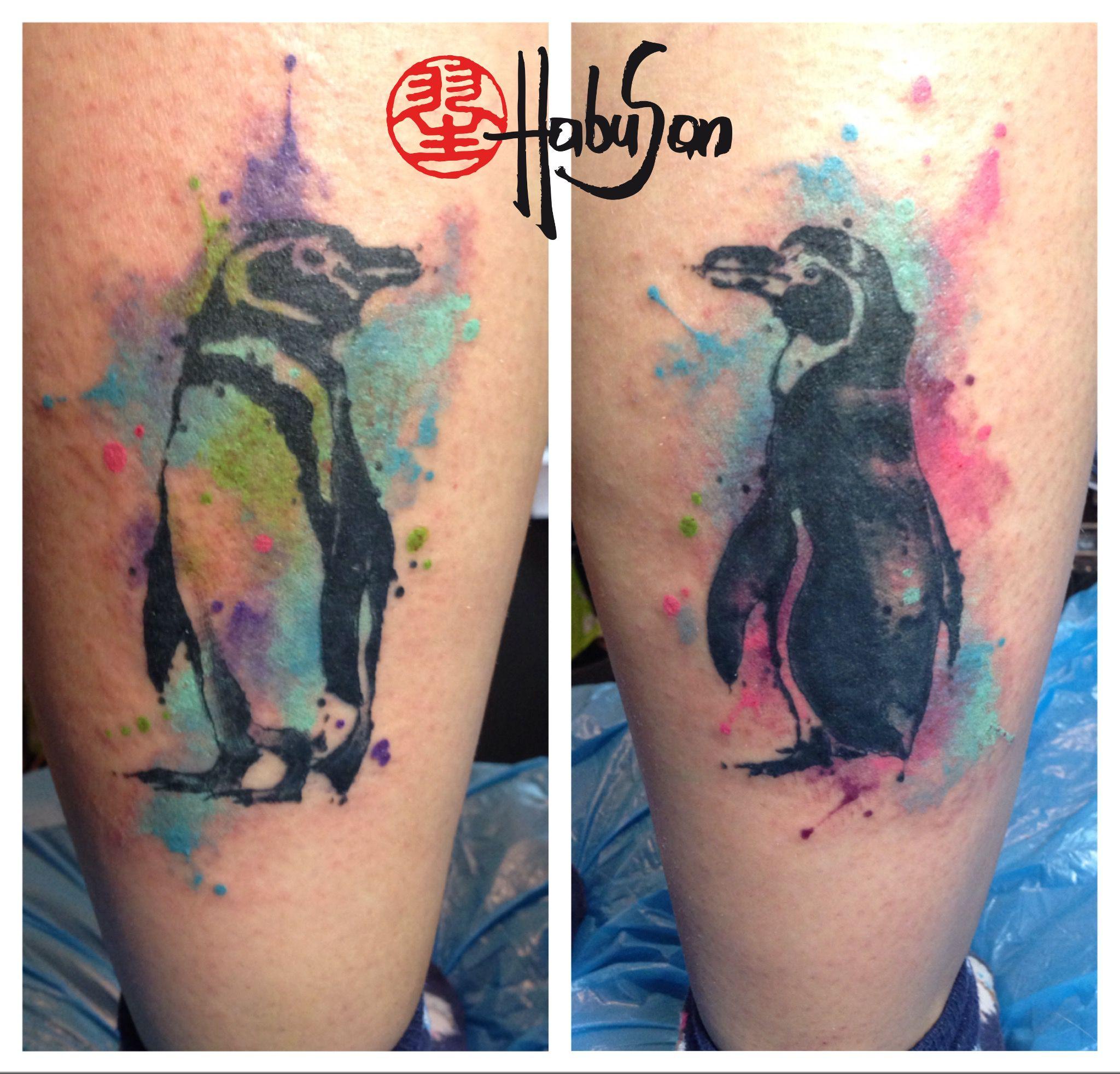 Happy feet sozusagen :-) Zwei Watercolour Pinguine auf Katrins Wadeln! Danke! #tattoo #habusan #Wien #watercolour
