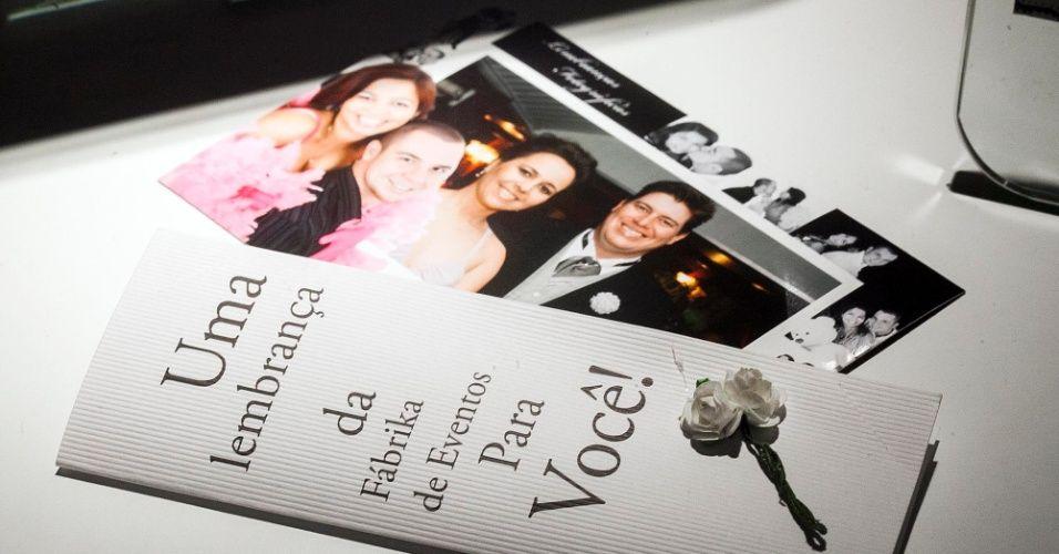 Lembrança em foto na saída da festa de casamento