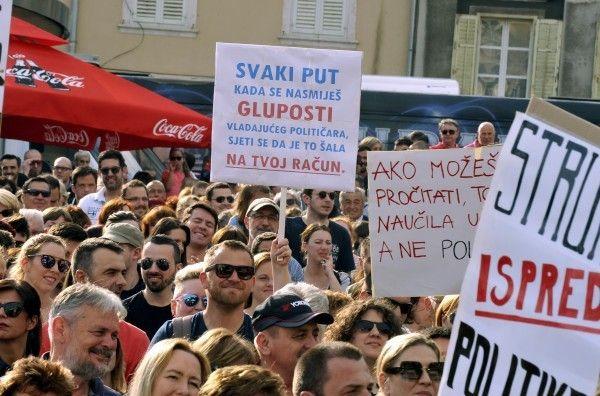Na prosvjedu u Rijeci 5.000 ljudi: Hrvatska može bolje – Predraže, dizajniraj ostavku / Novi list