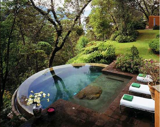 Decor U0026 Tips: Infinity Small Pond For Small Backyard Landscaping Ideas With  Patio Pavers And Outdoor Lounge Chairs Also Landscaped Yards With  Landscaping ...