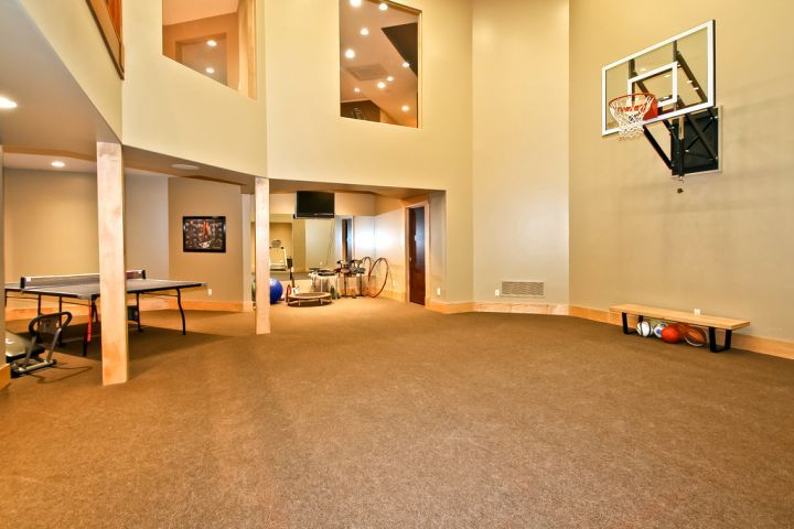 19 Modern Indoor Home Basketball Courts Plans And Designs Home Basketball Court Indoor Basketball Indoor Basketball Court