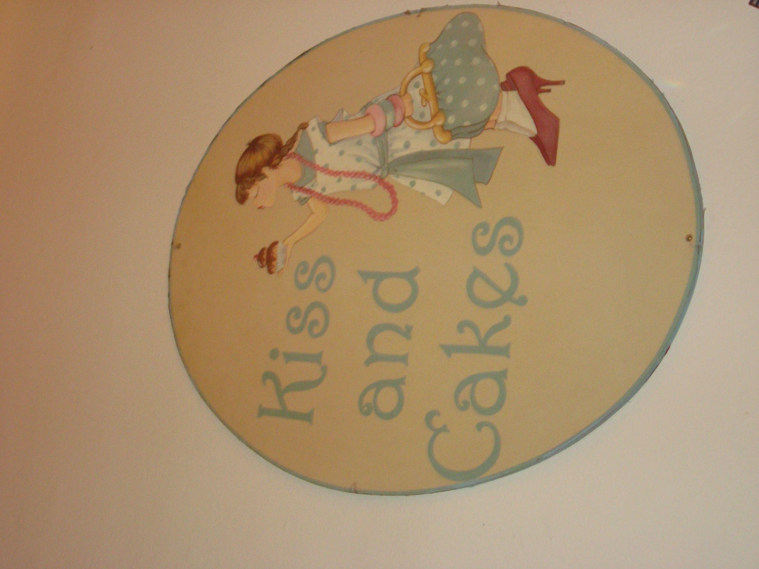 Kiss and cakes. Ropa para bebé, niño y mujer Barcelona. Detalles de decoración.