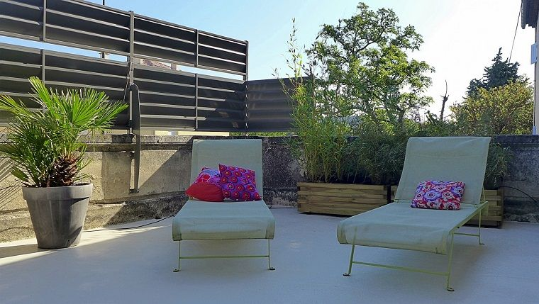 arredo-terrazzo-due-sdraio | Terrazze e balconi | Pinterest ...