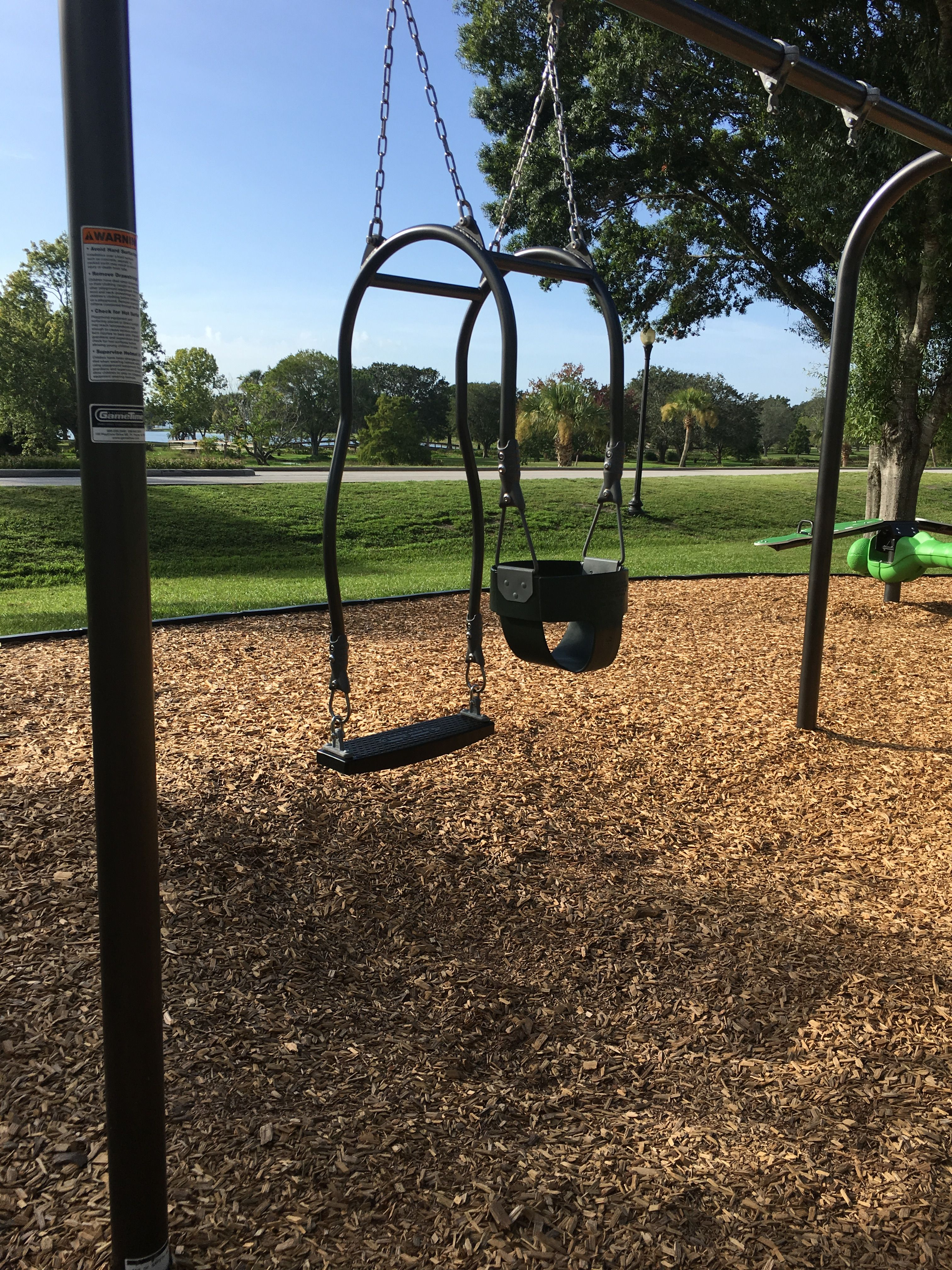 Amazing Mommy Me Swings They Installed At The New Park Backyard Play Baby Swings Baby Love