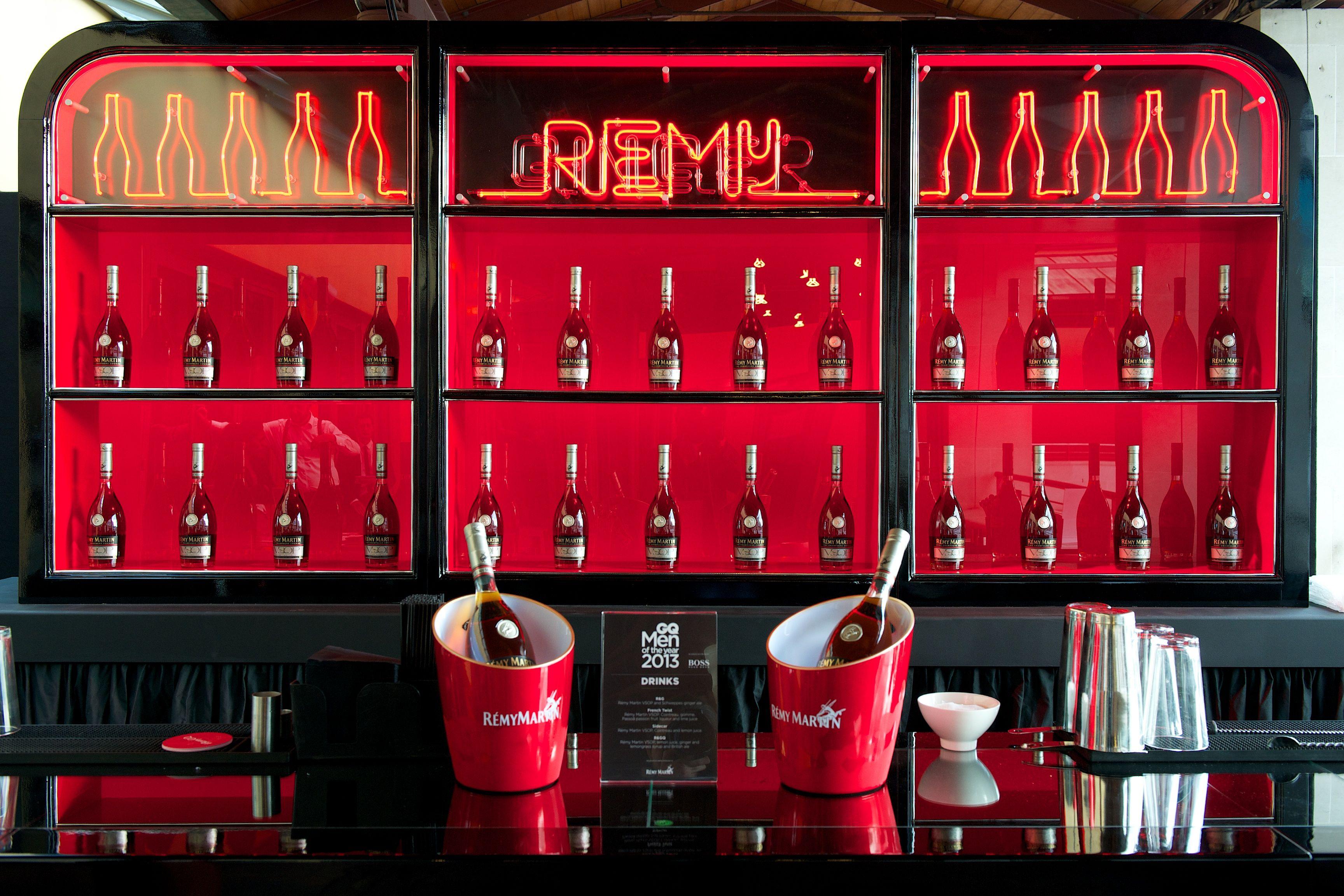 Remy Back Bar Design And Styling By The Honest Group The Gq Awards 2013 Bar Design Restaurant Back Bar Design Bar Displays