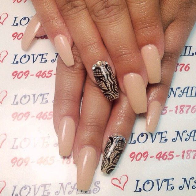 #nails #blingnails #3dnailart #3dnails #instylenails #prettynails #cutenails #glitter #nailartaddict #fancynails #nailart #diamondnails #swarovski #newdesignnails #nailsartdesign #nailschino #lovenails #gelnails