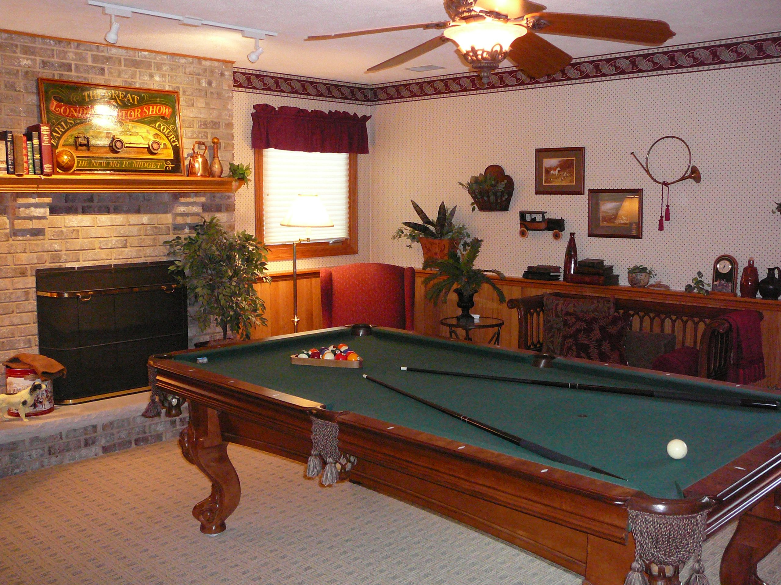 how to refelt a pool table with glue