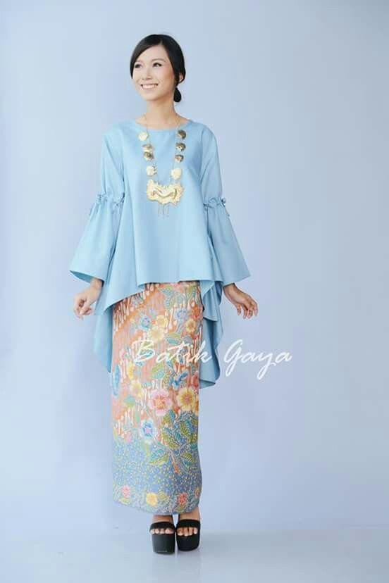 greenstructuredbellsleevetop  Baju Raya 2017 Fashion Ideas