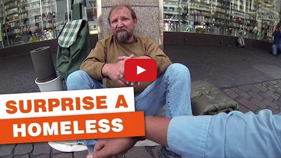 Three German students surprise a homeless guy – Inspiring Video
